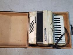 Régi Weltmeister harmonika
