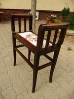Különleges, karcsú, vékony eredeti antik szecessziós ülőke / szófa frissen újra kárpitozva