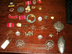 30 darab szocialista német katonai kitüző jelvén szép darabok DDR  kelet német és MH egyben