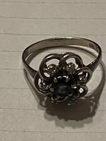 Nagyon szép 14kr aranygyűrű brilekkel és zafirral diszitve eladó!Ara:49000.-