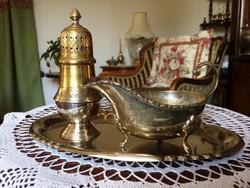 Patinás, antik, ezüstözött, alpakka, nagyobb méretű szószkiöntő, porcukor szóró egy szép tálcával