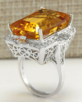 18K yellow gold luxury ring with diamonds
