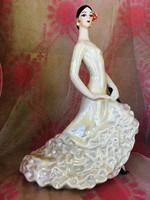 Carmen-Gyönyörű táncos nő