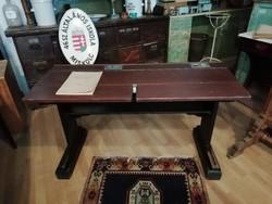 Iskolapad, régi keményfa asztal, íróasztalnak