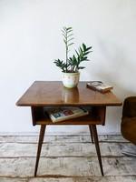 Retro,vintage,mid-century,asztal