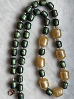 Antique jewelry bead string in very good condition.