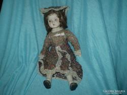 35 cm porcelain doll on the cheap