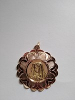 Madonna pendant in gold