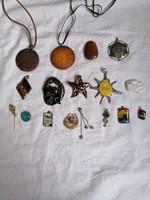 17 pcs jewelry pendant, brooch, badge (glass, porcelain, ceramic, metal)