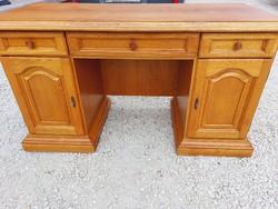 Beautiful condition oak desk for sale.