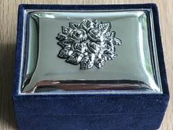 Ezüstözött tetejű olasz ékszeres doboz, 10x7,5x5 cm