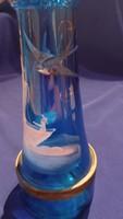 Gyönyörű kék színű üveg világítótorony formájú festett fecskés hajós sárgarézzel kombinált italos