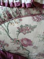 Angol virág mintás ágyvég szettben, baldachinnal, függönyökkel, kiegészítőkkel