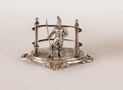 Silver antique tooth holder with soldier figure (11904)