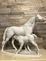 Nagyméretű Herendi ló csikójával! Makulátlan!