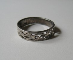 Silver ring with tendril pattern - 1 ft auctions!