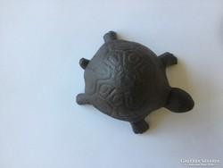 Cast iron turtle garden keychain