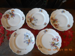 Zsolnay beaded, flat plate with bouquet pattern