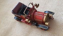 Fém lemez Oldtimer Autó Makett (piros)