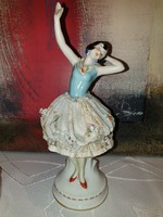 Altwien ballerina in lace dress