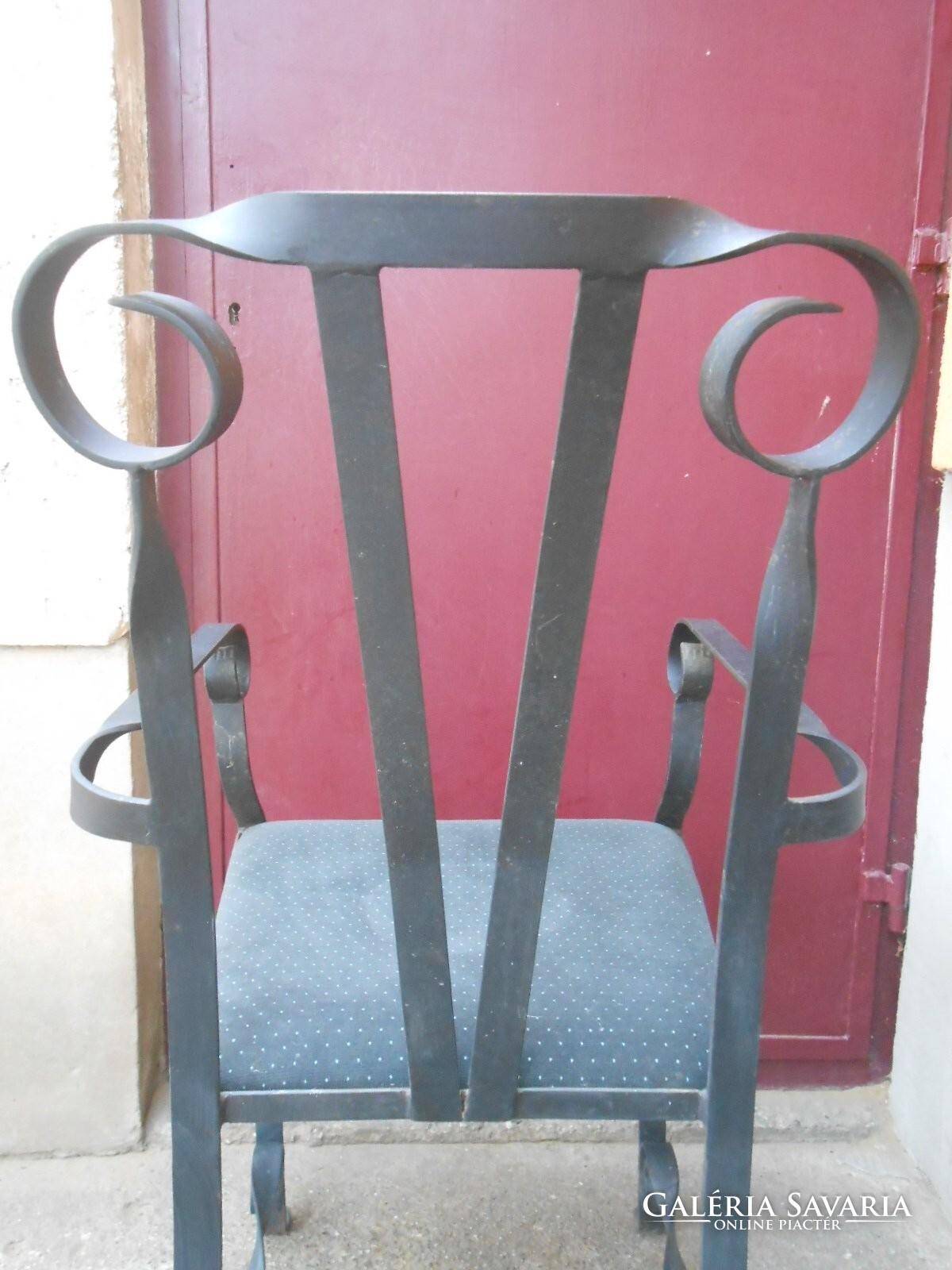 kovácsoltvas antik szék