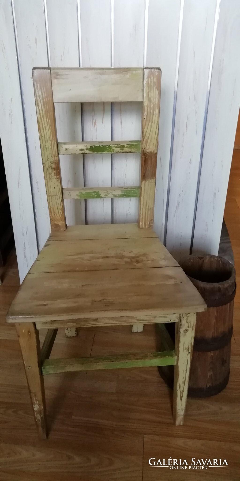 Vintage támlás szék, kopottas régi szék, dekoráció Furniture